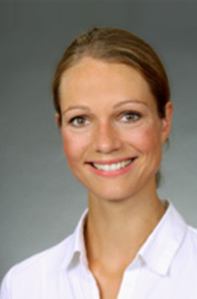 Yvonne_Frey Portrait Dr. Euler Kinderarztpraxis Berlin Prenzlauer Berg