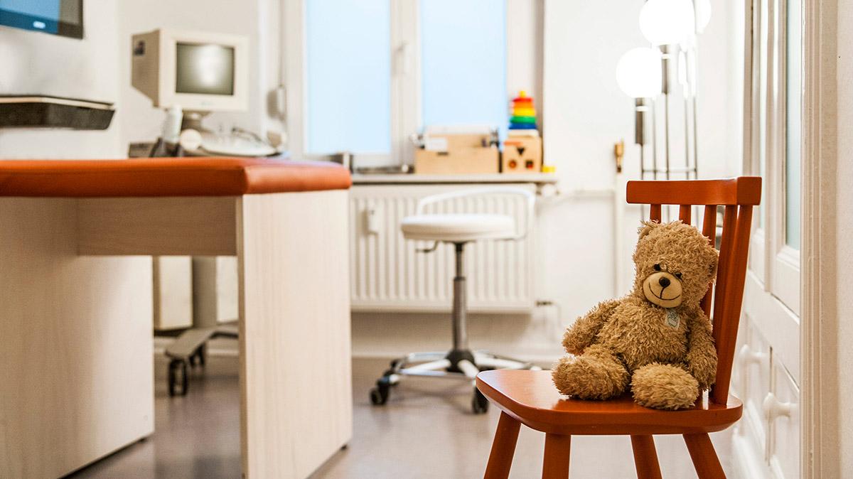 Kinderarzt Dr. Euler Berlin Praxis Einrichtung
